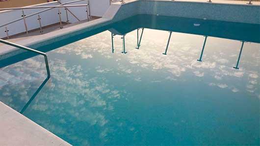 rico-cejaduo-piscina
