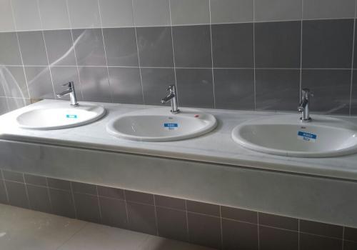 Refuerzo de Estructura y Mejoras de Cubiertas y Aseos en IES El Arenal de Dos Hermanas (Sevilla)