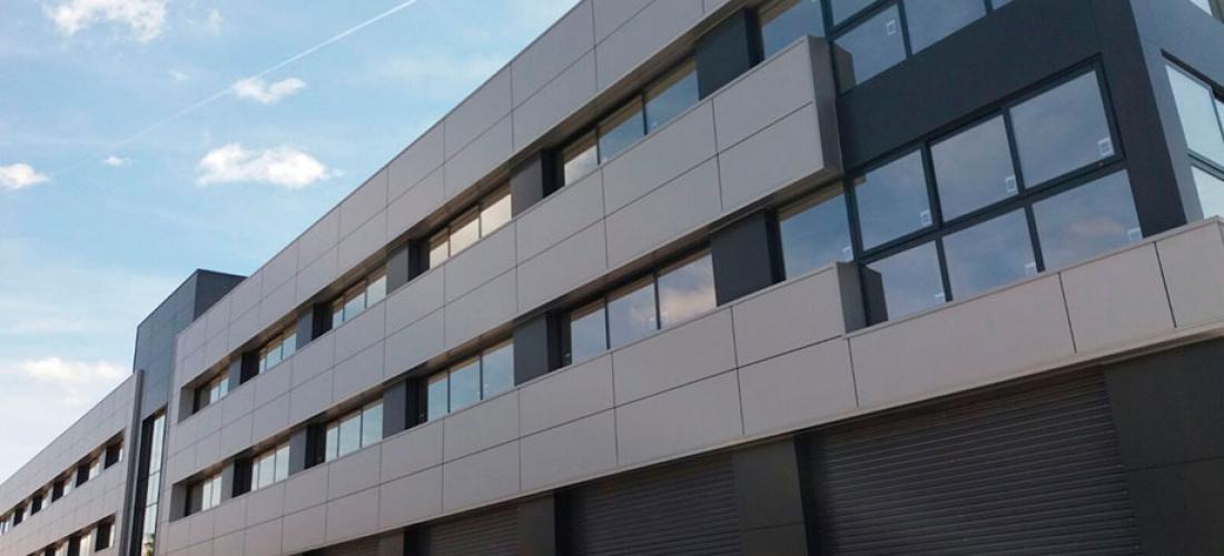 Adecuación de edificio para la actividad de uso administrativo en el Polígono Pisa (Mairena del Aljarafe)